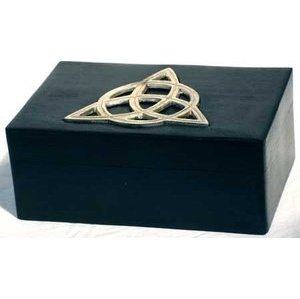 "Triquetra Box 4"" x 6"""