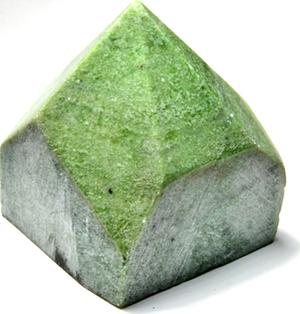 Garnet, Green top polished point