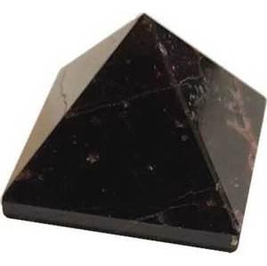 25-30mm Garnet Pyramid